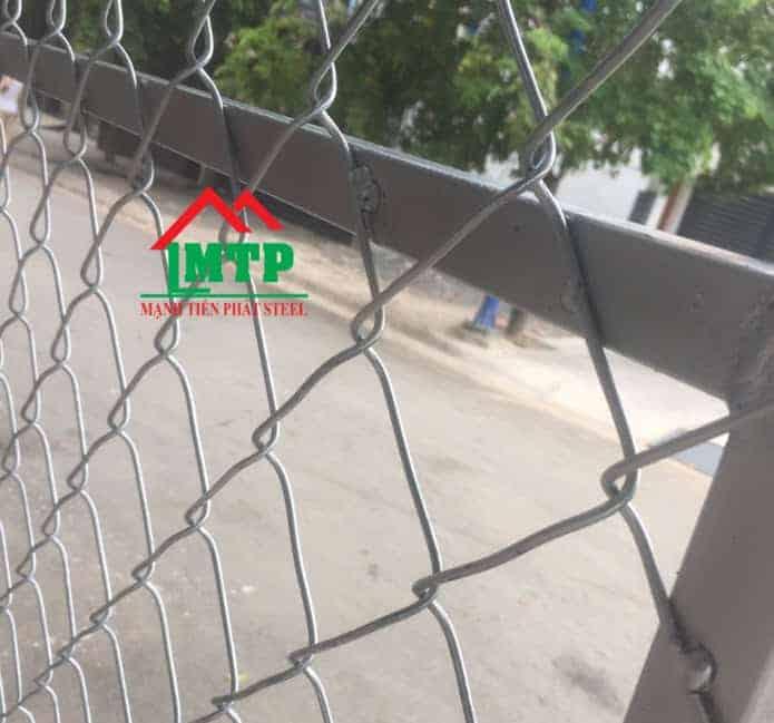 Lưới b40 được ứng dụng làm hàng rào